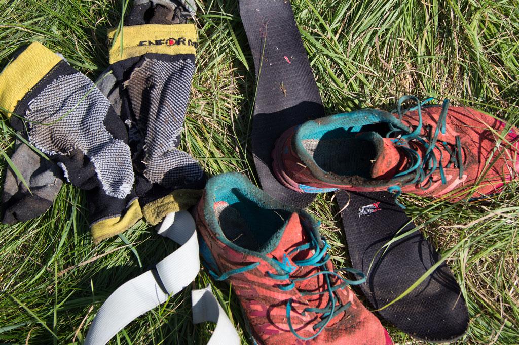 Orienteringsløb kræver ikke det store udstyr. Men et par specielle o-sko holder bedre til at løbe gennem mudder og brombær. (Foto: Ernst Poulsen)